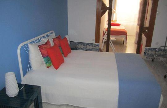 Hostel royal manzanares online dating